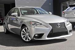 2016 Lexus IS200t Luxury Auto Automatic