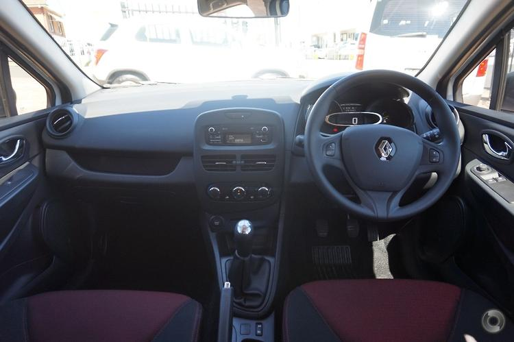 2013 Renault Clio Authentique Manual