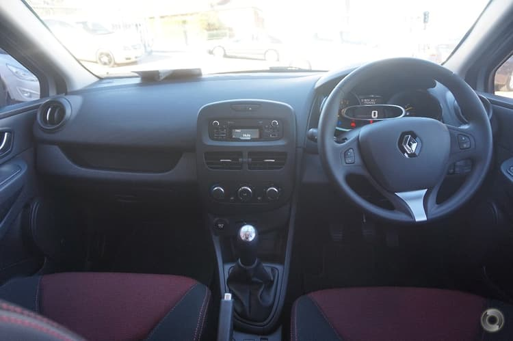 2015 Renault Clio Expression Manual