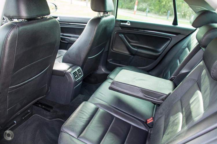 2010 Volkswagen Jetta 118TSI 1KM Auto MY10
