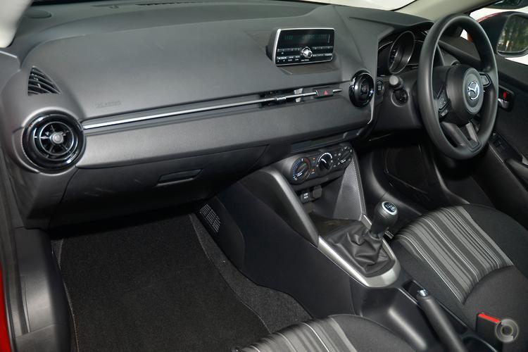 2017 Mazda 2 Neo DJ Series Manual