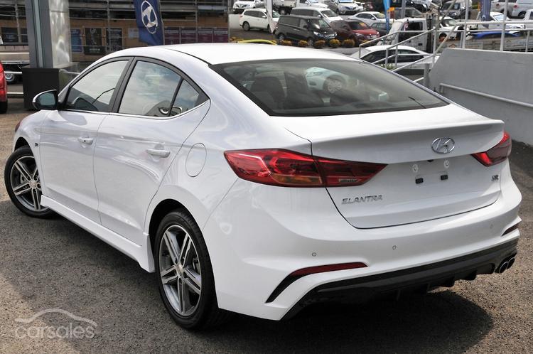 2017 Hyundai Elantra SR Turbo AD