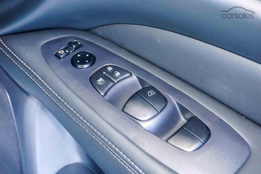 2017 Nissan Pathfinder Ti R52