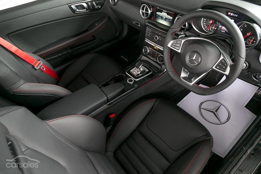 2017 Mercedes-Benz SLC 300 Roadster