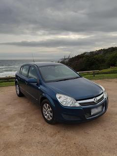 Holden Astra TwinTop v Renault Megane CC v VW Eos - www carsales com au