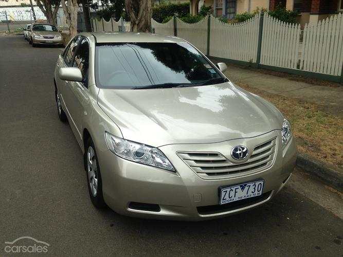 toyota camry launch review. Black Bedroom Furniture Sets. Home Design Ideas