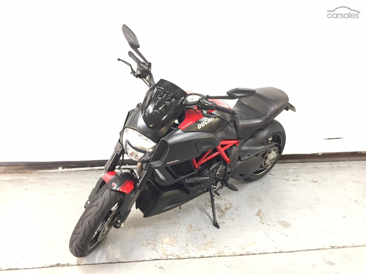 2014 Ducati DIAVEL CARBON ABS RED