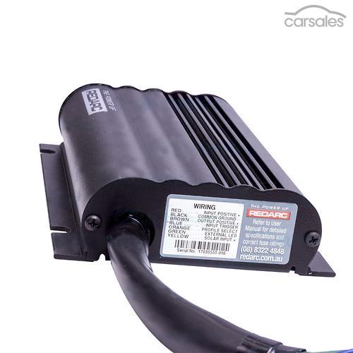 REDARC BCDC1240D DUAL INPUT 40A AMP IN VEHICLE DCDC