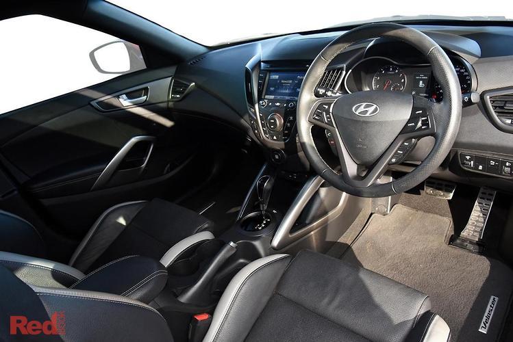 2016 Hyundai Veloster SR Turbo + FS4 Series II