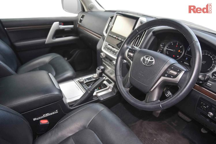 2017 Toyota Landcruiser VX VDJ200R 4X4 Dual Range
