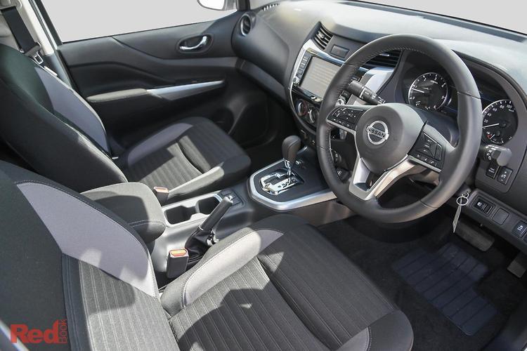 2021 Nissan Navara ST D23